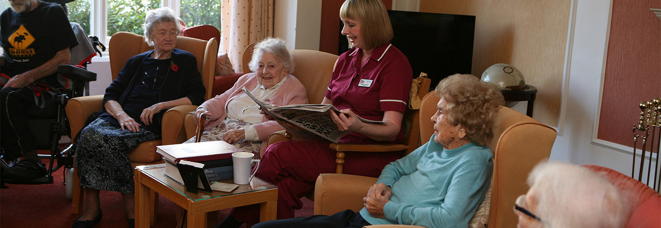 Residents and Carers get together at Heyfields
